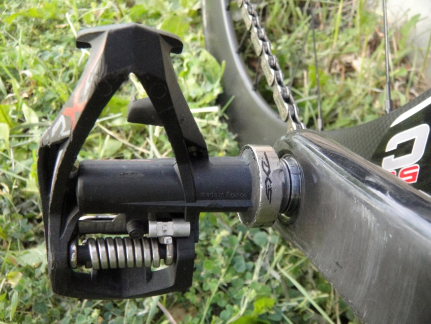 A well worn pair of Time RXS Titan pedals with Titanium axle